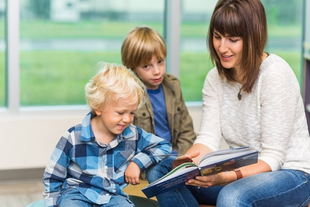 Mom_Reading_To_Sons_001-1024x685.jpg